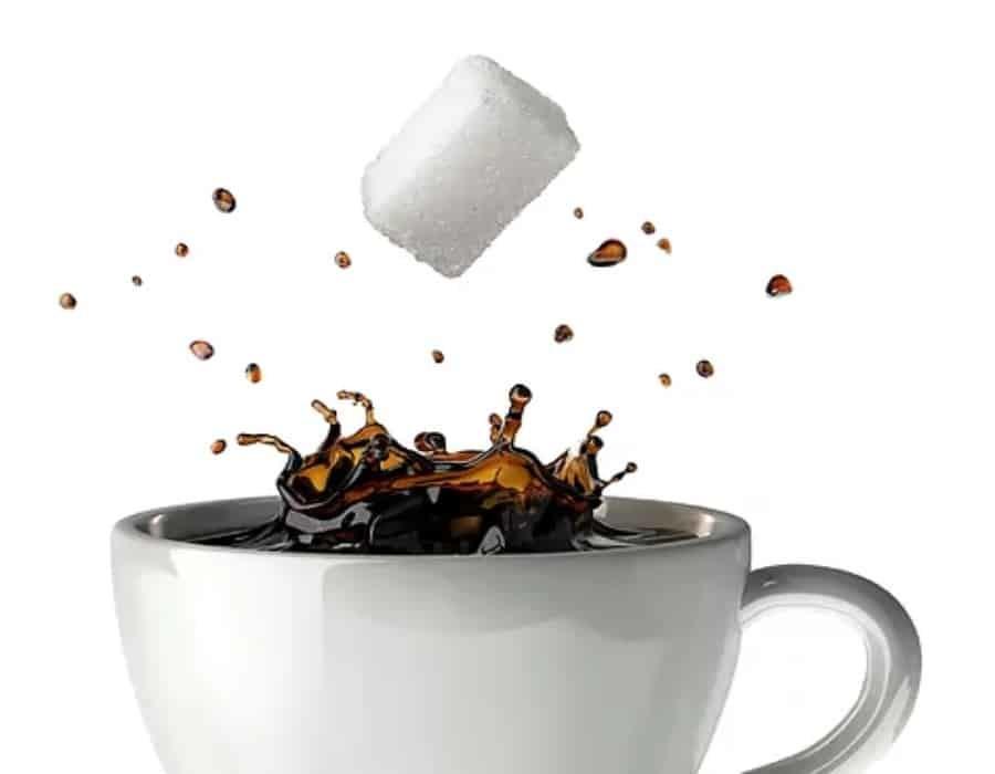 Otra razón para tomar café. Una taza diaria podría reducir tus problemas cardiacos