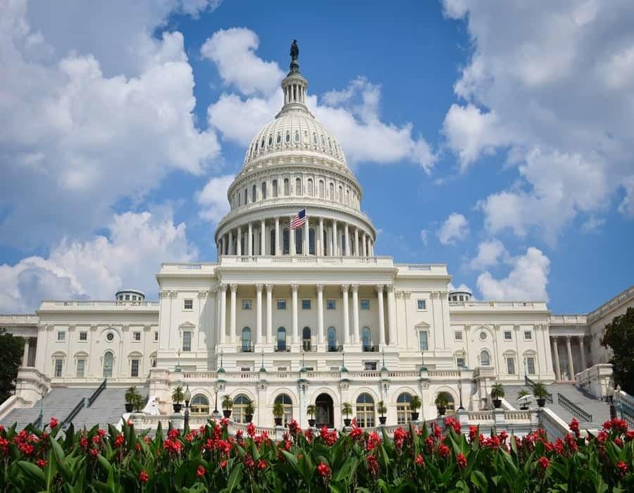 Republicanos recaudan cifra récord para elecciones de 2022