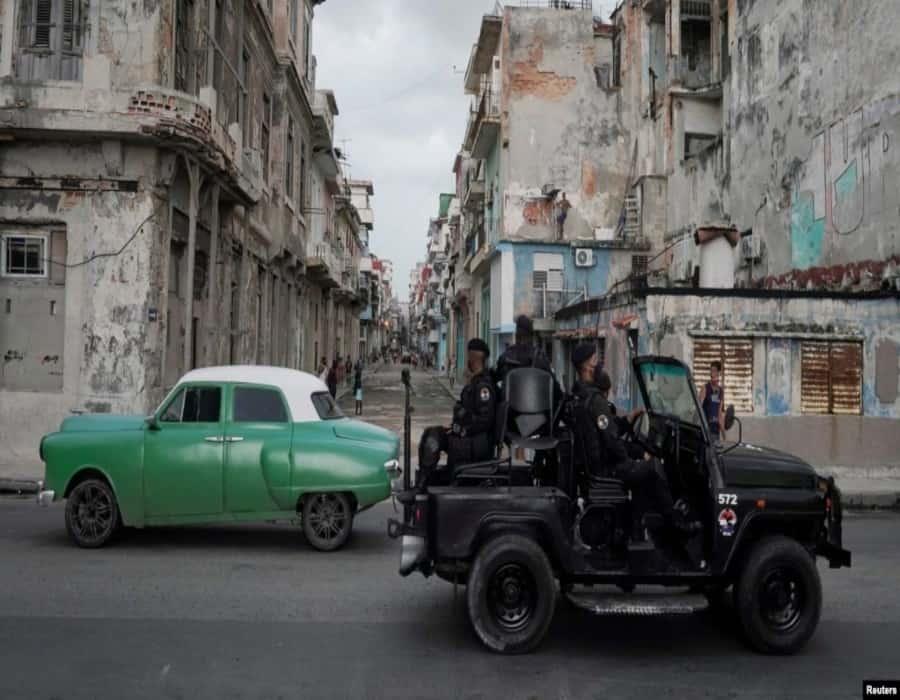 Sin marcha atrás la apertura al turismo, dice Marrero, mientras cubanos denuncian la gravedad de la situación sanitaria