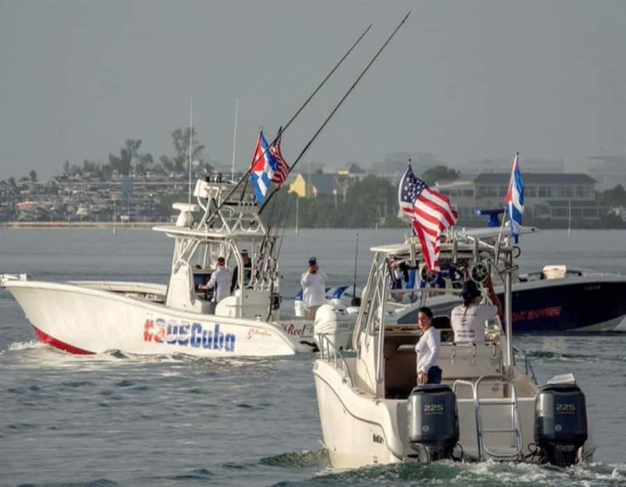 Flotilla regresa a Miami tras lanzar fuegos artificiales cerca de Cuba