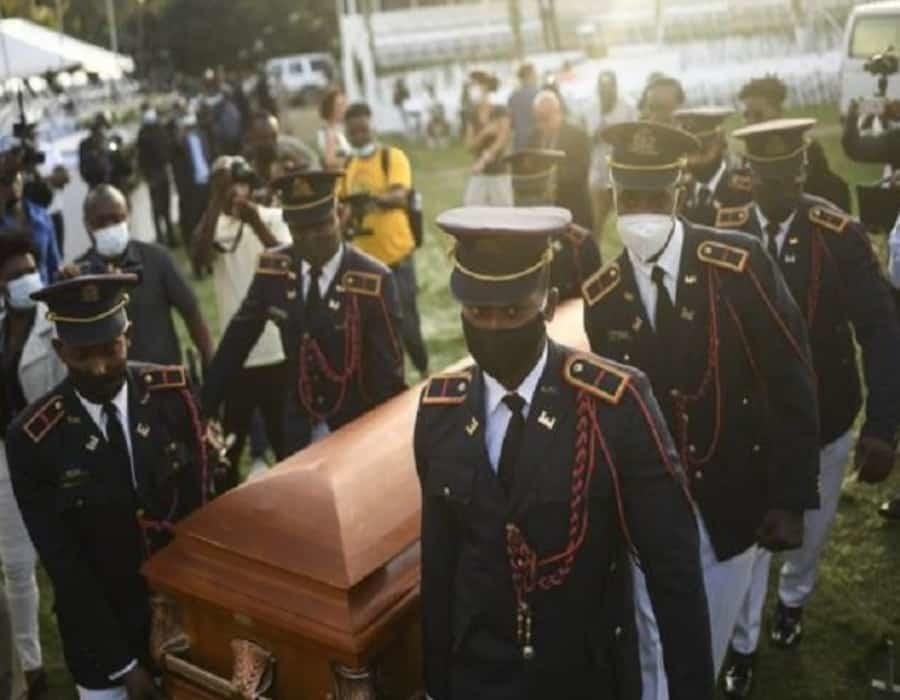 Se registra tiroteo durante funeral de Jovenel Moïse, según medios estadounidenses