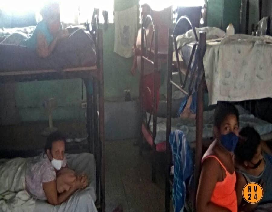 Ahora: protestas en el Centro de Aislamiento de Manzanillo