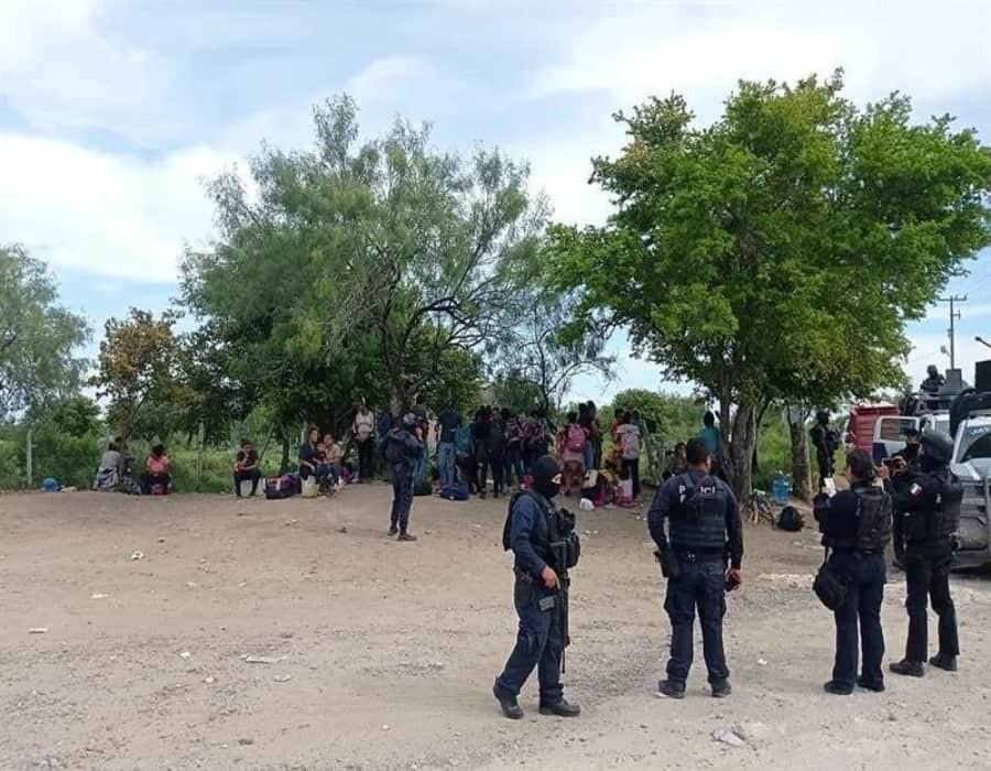 Agentes rescatan a 110 migrantes, entre ellos 56 menores, en el norte de México