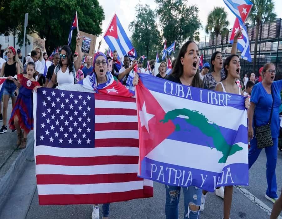 Declaran en Miami el 11 de julio día de Patria y Vida y SOS Cuba