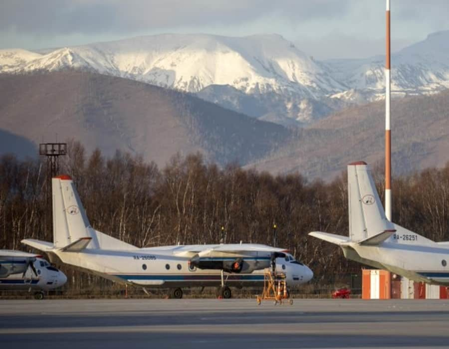Hallan avión ruso desaparecido sobre Siberia: todos vivos