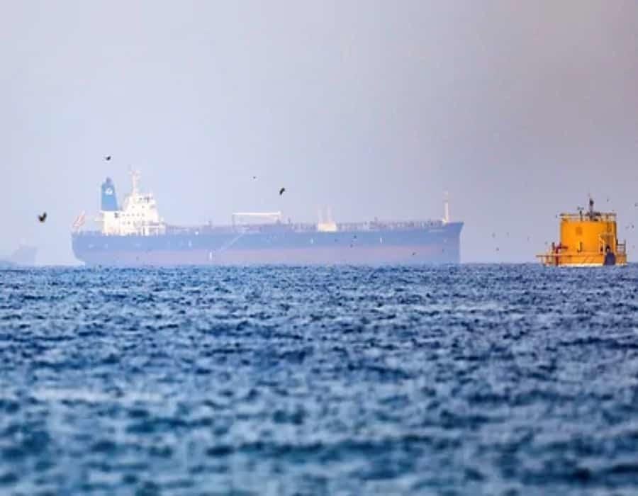 Marina británica: Secuestradores abandonan barco junto a EAU