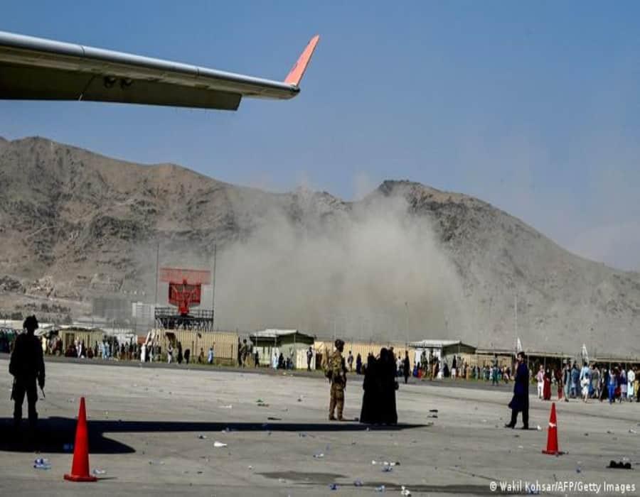 Muertos en aeropuerto de Kabul tras tiroteo entre talibanes y tropas de Estados Unidos