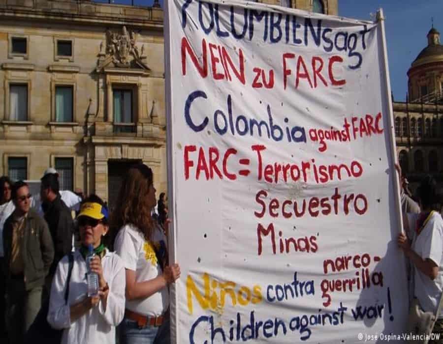 Tribunal de paz investigará a exguerrilla FARC por reclutar a 18.667 menores en Colombia