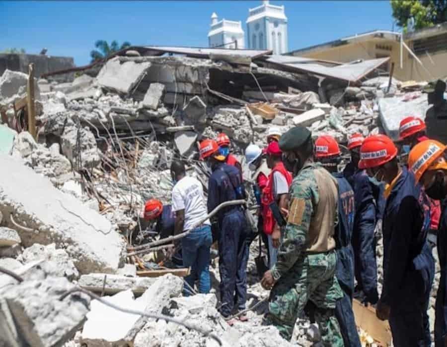 EE.UU. envía un equipo de rescate a Haití para buscar desaparecidos por el terremoto