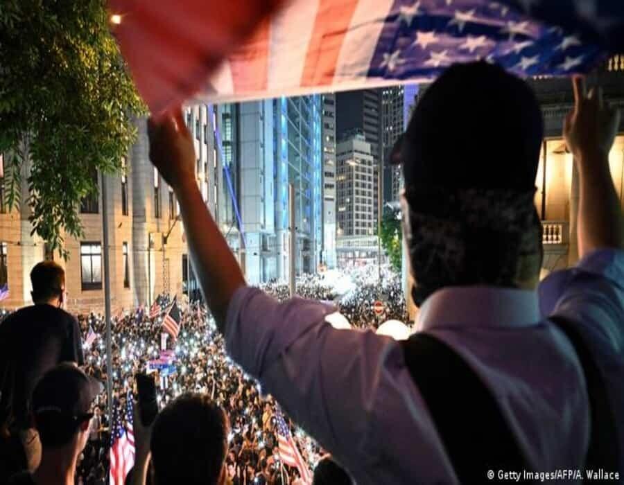 EE.UU. ofrece asilo a honkoneses por represión de China