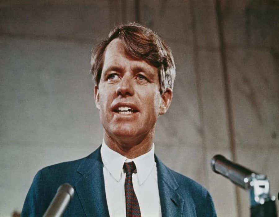 Bajo libertad condicional el asesino de Robert F. Kennedy podría salir de prisión