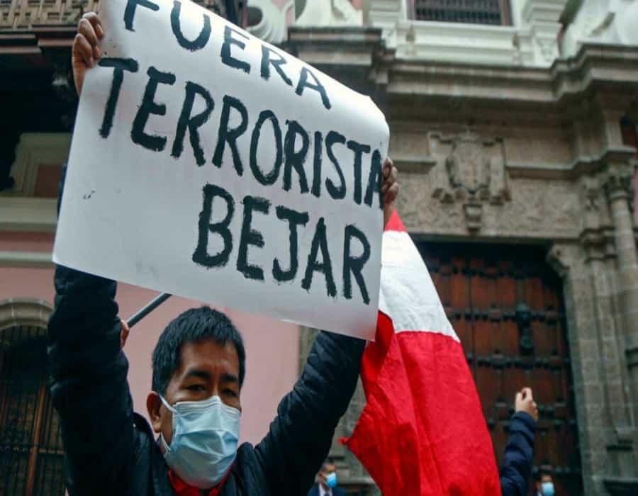 Dimite canciller peruano por declaraciones de 2020 donde vinculaba a la Marina con el terrorismo