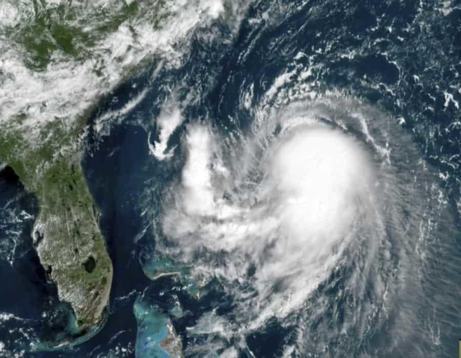 Tormenta tropical amenaza costa oriental de EEUU