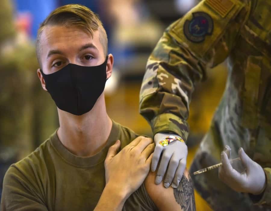 EEUU obligará a personal militar a vacunarse contra COVID-19