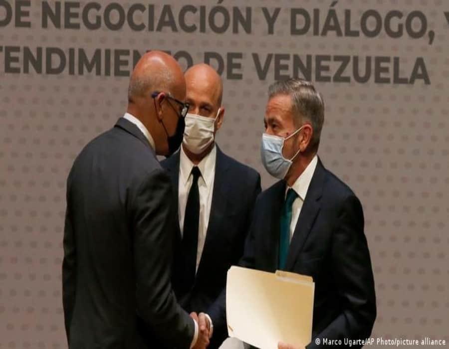 Hermetismo envuelve el diálogo venezolano en México