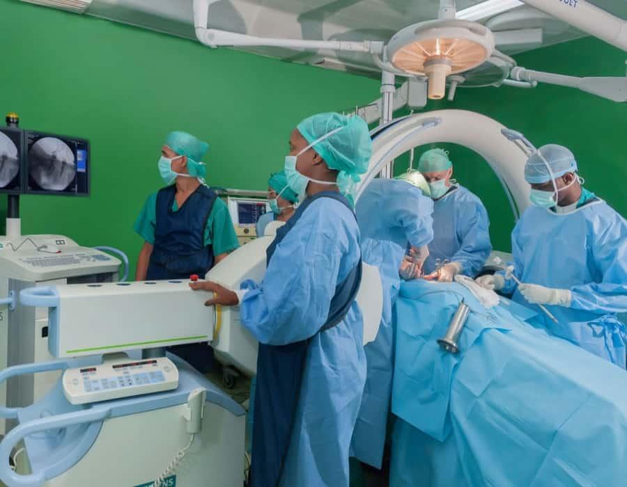 Discriminación en estado puro: los cubanos no pueden tratarse el coronavirus en las clínicas privadas del régimen