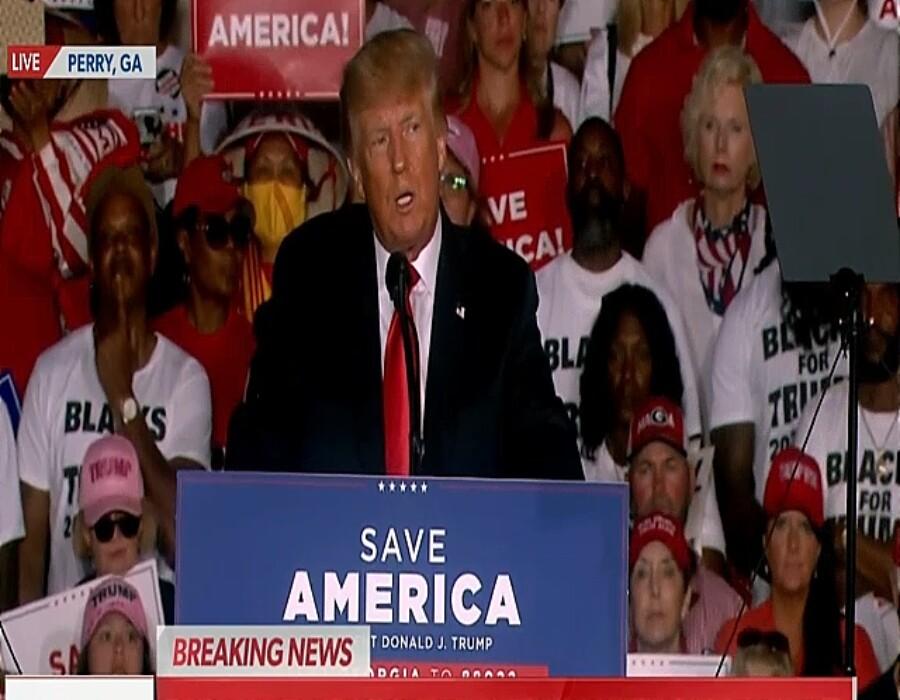 Trump arremete contra administración Biden en rally de Georgia (subtítulos en español)