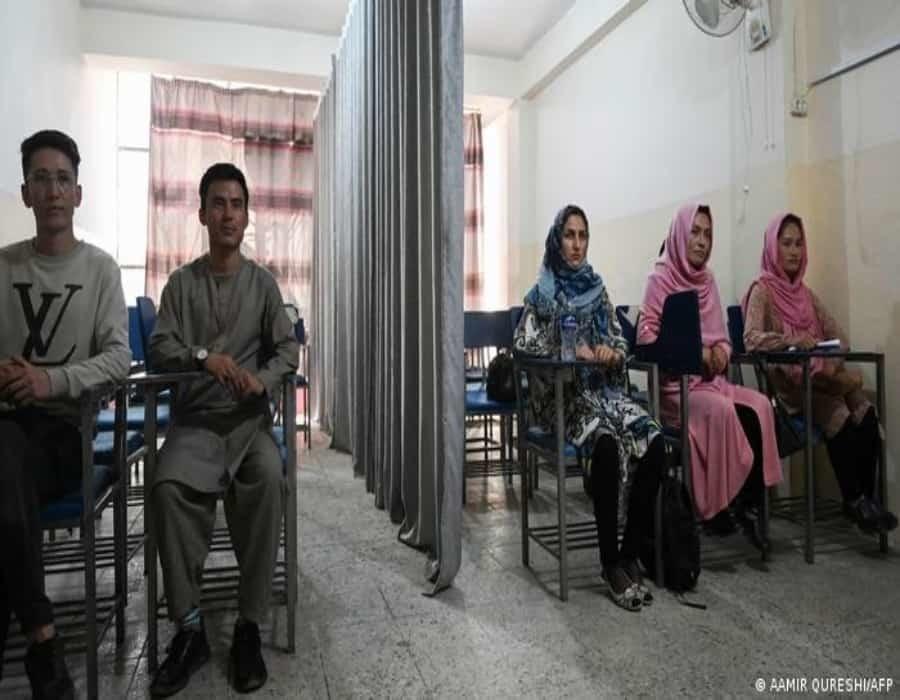 Afganistán: las mujeres podrán estudiar, pero separadas de los hombres