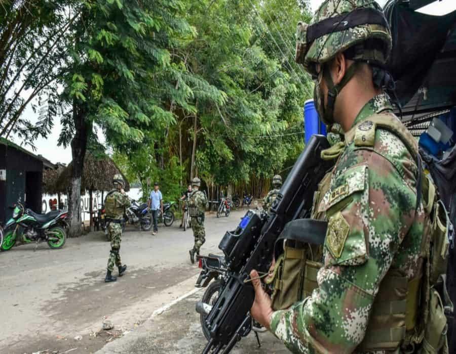 Tres miembros de la mayor disidencia de las FARC mueren en enfrentamientos con ejército colombiano