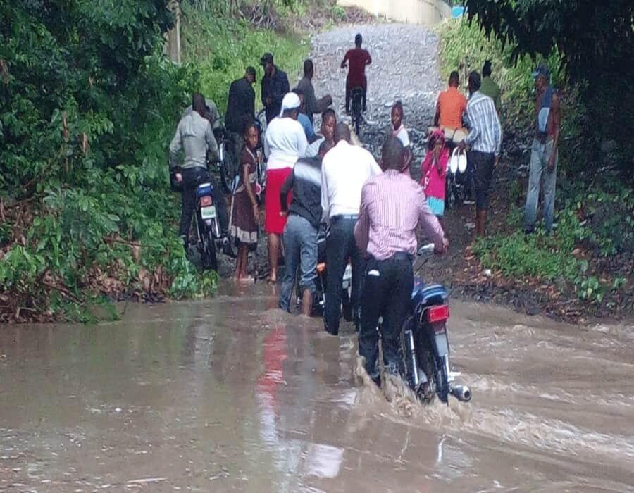 Republica Dominicana: Tres motores chocan calibrando y mueren al menos cuatro personas