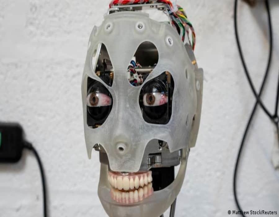Los robots humanoides pueden influir en las decisiones de los humanos con su mirada