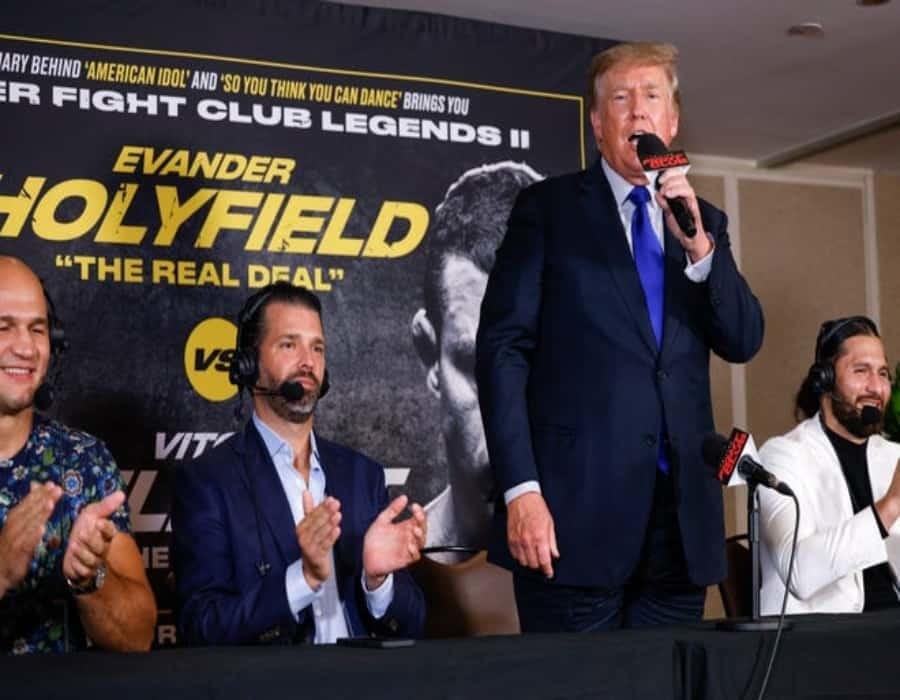Florida y boxeo, Donald Trump eclipsa a las leyendas del ring en su estreno como comentarista deportivo