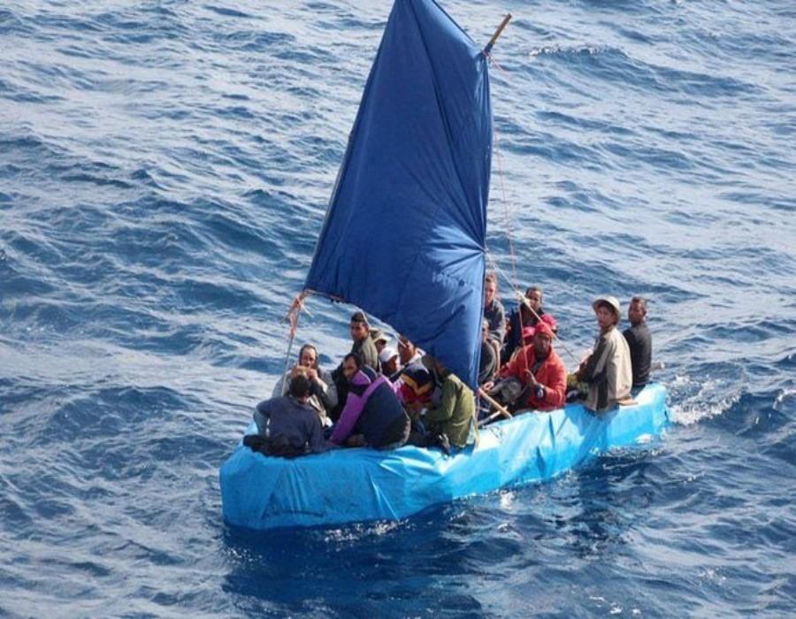 EEUU devuelve a la isla a decenas de balseros y recuerda que existen vías legales para que los cubanos emigren