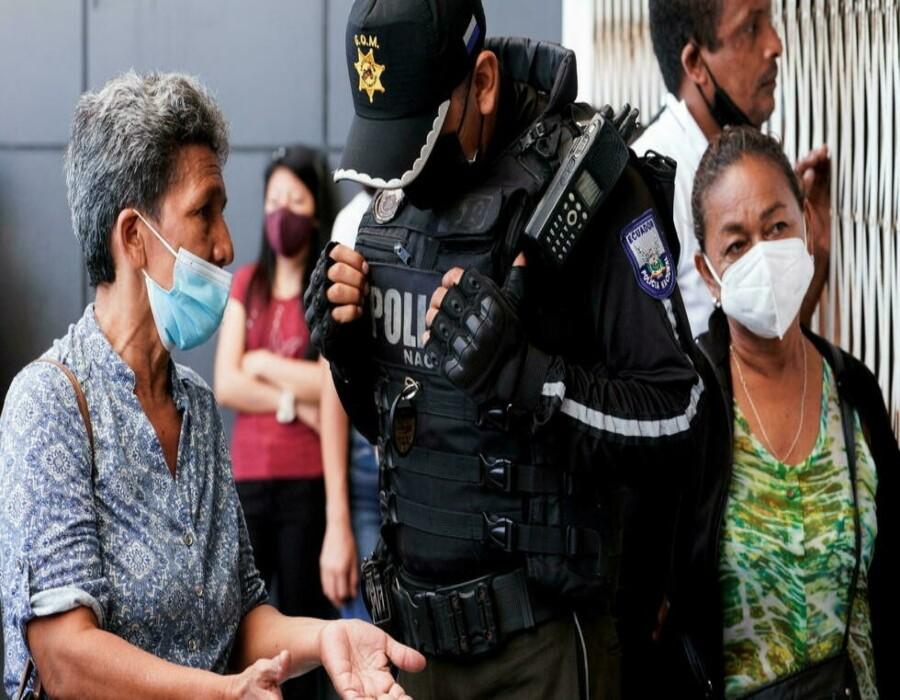 Ecuador: Policía retoma el control de una cárcel tras una masacre que dejó 118 muertos